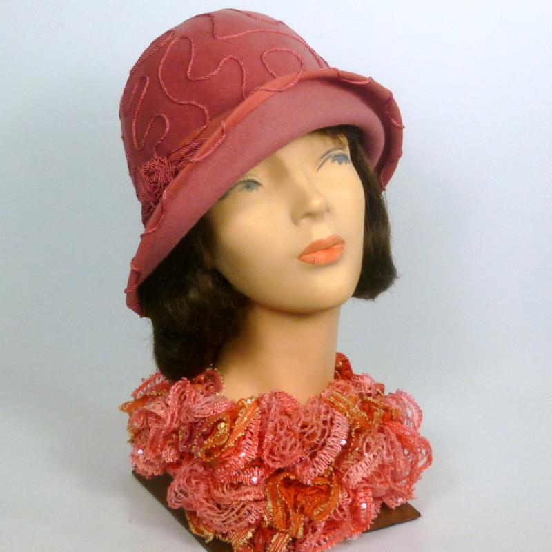 Reproduction Vintage Dusty Rose Cloche Hat