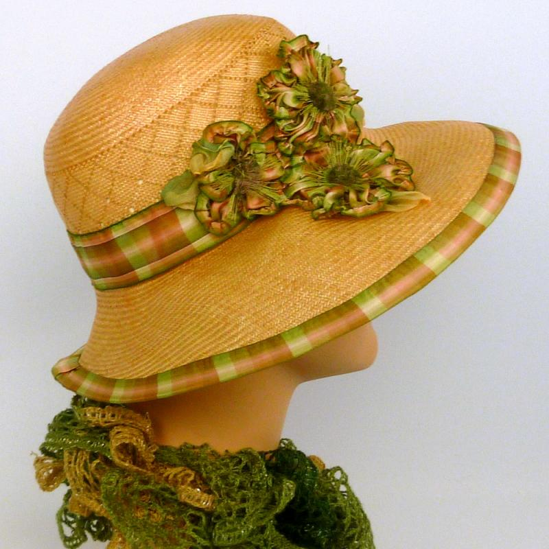 1920s style hat light peach straw plaid ribbon and ribbon flowers